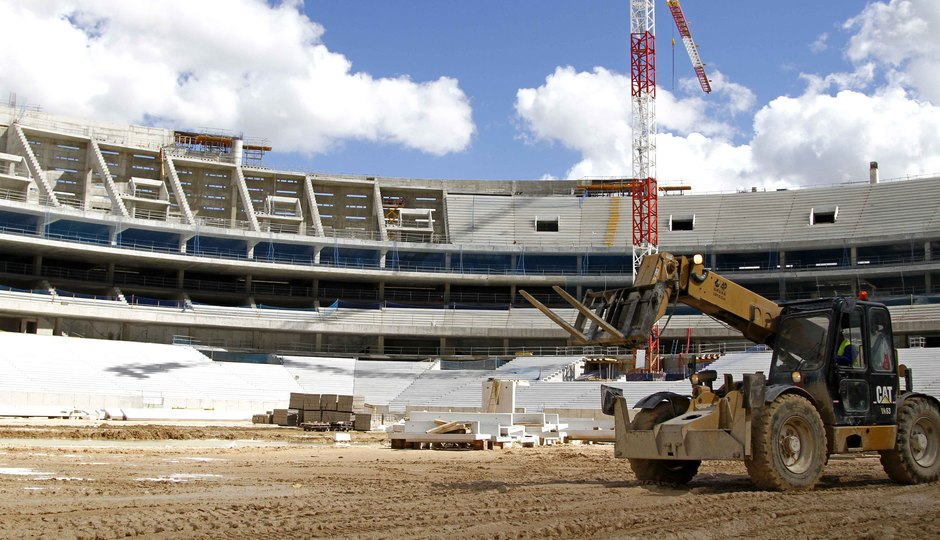 Nuevo estadio. Visión del lateral este y fondo sur