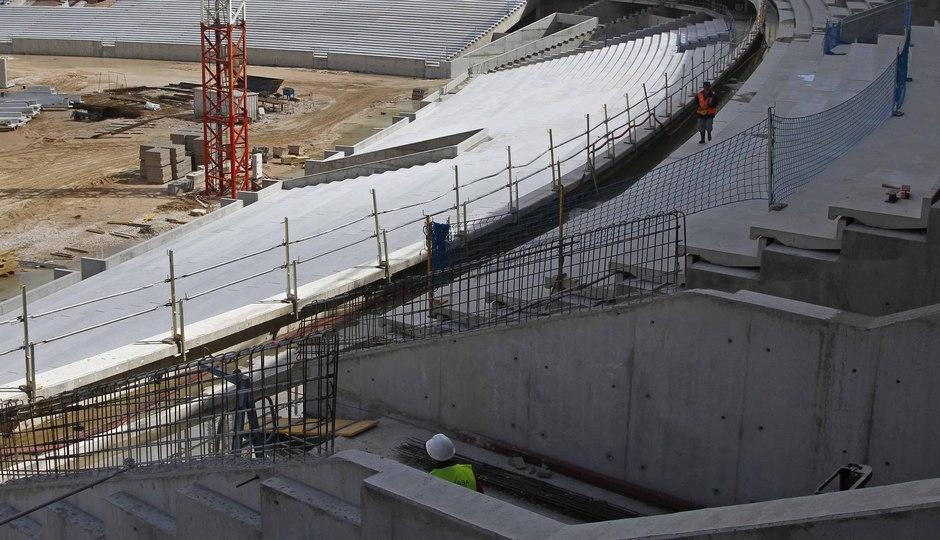 Nuevo estadio. Construcción bocanas de acceso a salas VIP desde grada media oeste