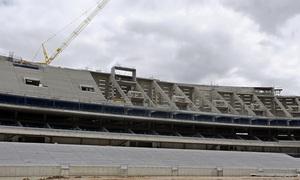Nuevo estadio. Avance del graderío alto en el lateral este