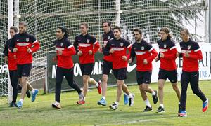 Temporada 12/13. Entrenamiento jugadores titulares corriendo durante el entrenamiento en el Cerro del Espino
