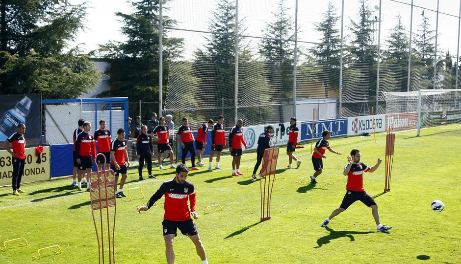 Temporada 12/13. Entrenamiento, ejercicios con balón el entrenamiento en la Ciudad Deportiva de Majadahonda