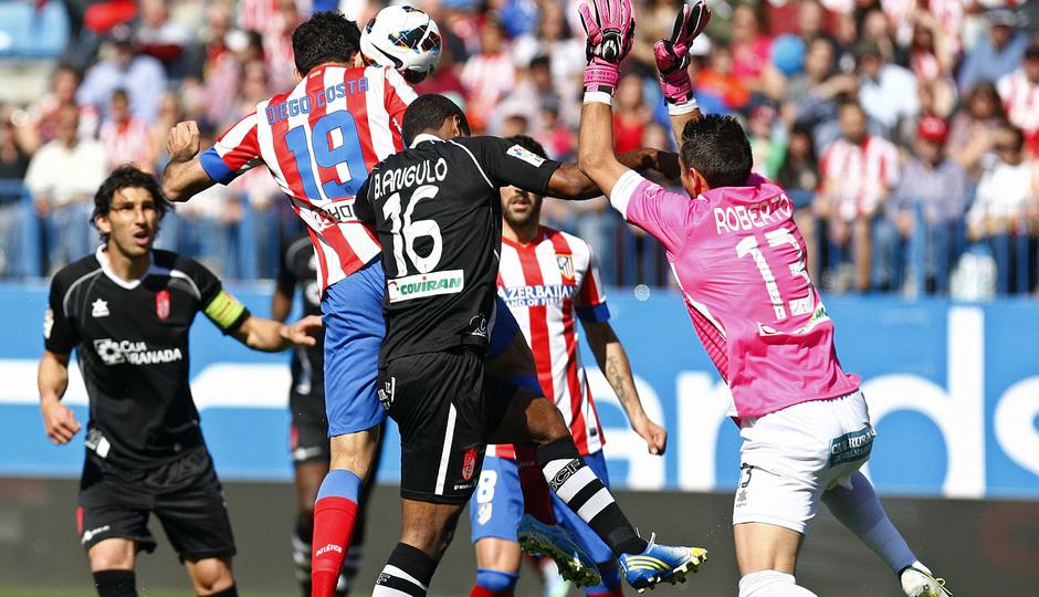 Temporada 12/13. Partido Atlético de Madrid Granada.Gol de Costa de cabeza