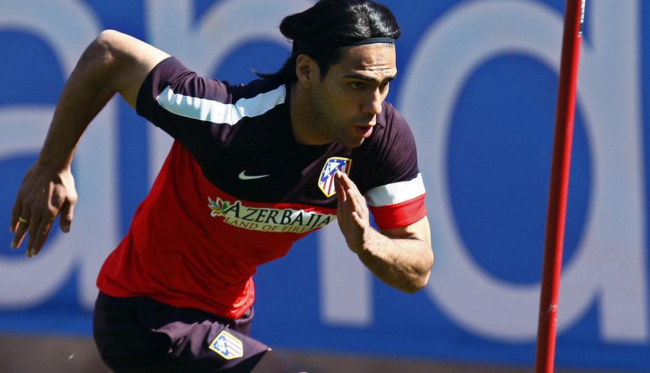 Temporada 12/13. Entrenamiento Falcao corriendo durante el entrenamiento een el estadio Vicente Calderón