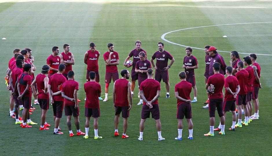 Temporada 16/17. Entrenamiento en el Vicente Calderón.
