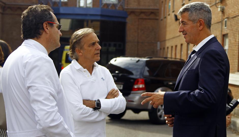 Koke y Miguel Ángel Gil visitaron el Hospital Niño Jesús