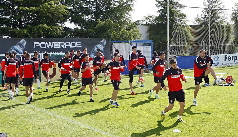 Temporada 12/13. Entrenamiento.Equipo realizando ejercicios físicos durante el entrenamiento en la ciudad deportiva de Majadahonda