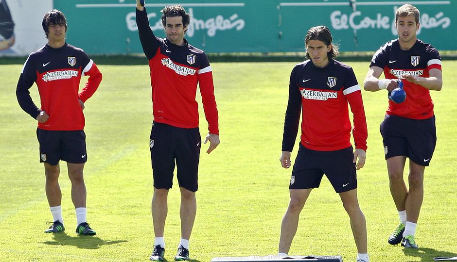 Temporada 12/13. Entrenamiento.Óliver, Tiago y Filipe realizando ejercicios físicos durante el entrenamiento en la ciudad deportiva de Majadahonda