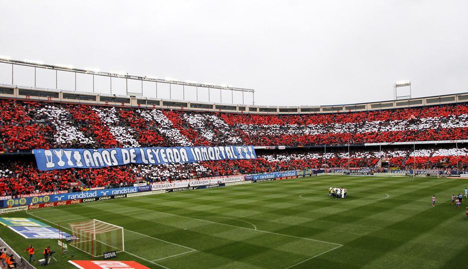 Temporada 12/13. Partido Atlético de Madrid Real Madrid. Tifo