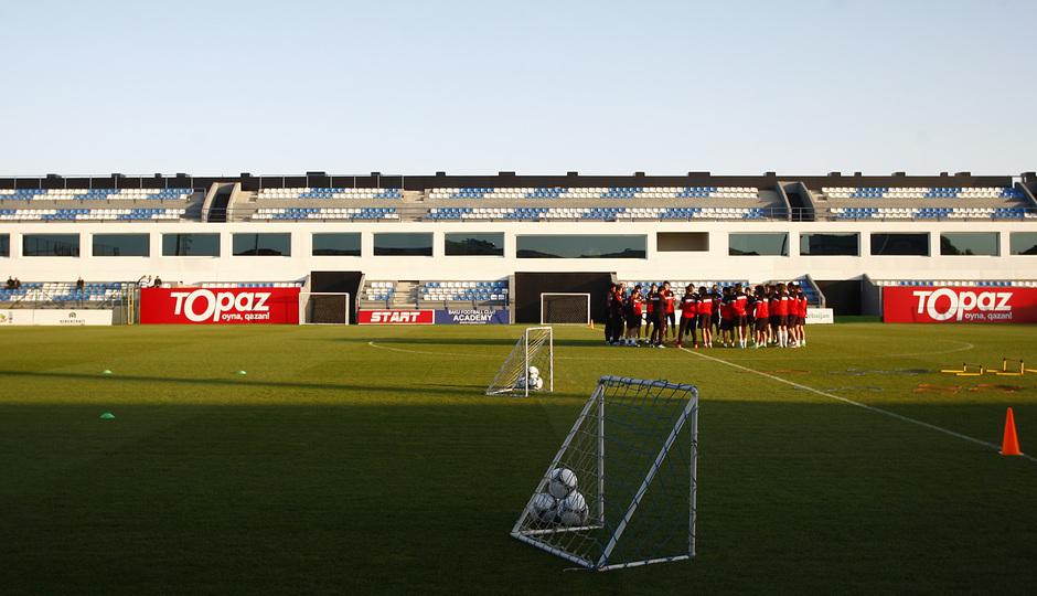 El equipo entrenó en la Ciudad Deportiva del Bakú FC