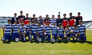 Clinic en la Ciudad Deportiva de Baku. Los jugadores de la primera plantilla asisten al clinic dirigido por Simeone