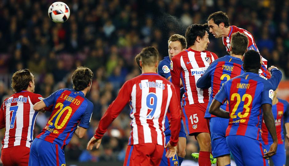 Temp. 16/17 | FC Barcelona - Atlético de Madrid | Godín