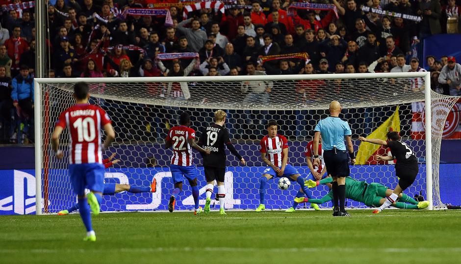 Temp. 16/17 | Atlético de Madrid - Bayer Leverkusen | Oblak Parada 3