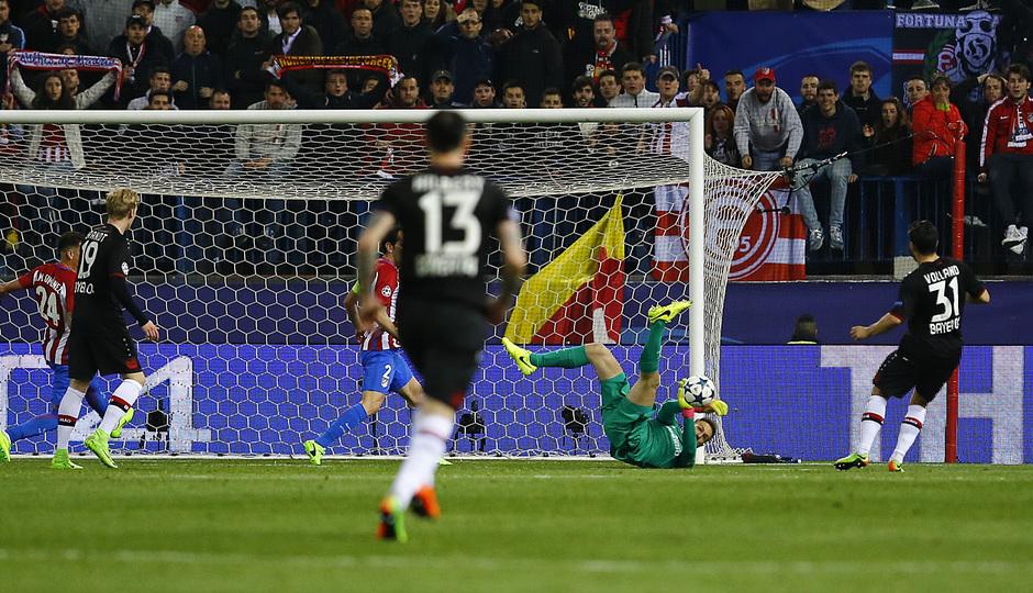 Temp. 16/17 | Atlético de Madrid - Bayer Leverkusen | Oblak Parada 2