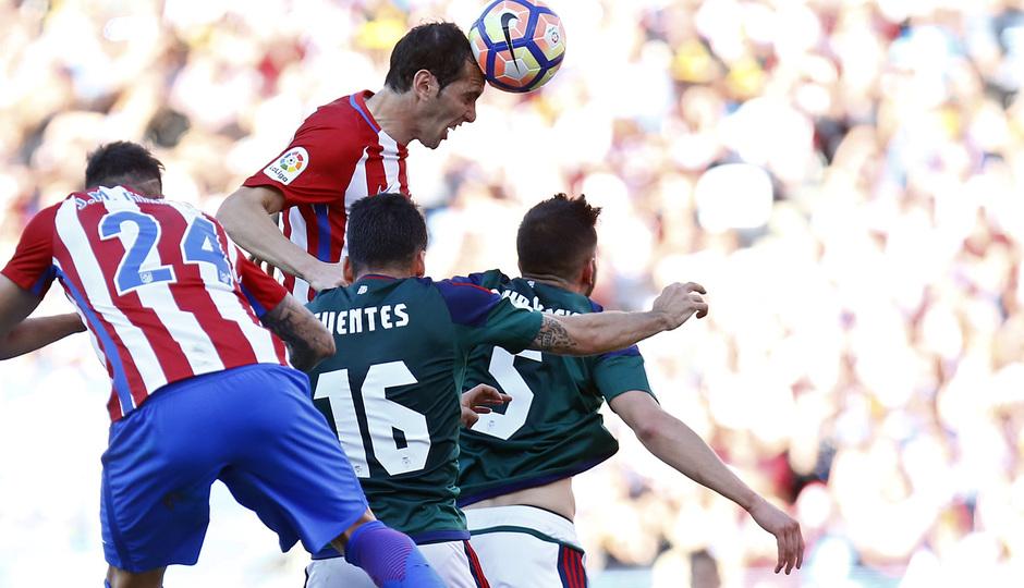Temp. 16/17 | Atlético de Madrid - Osasuna | Godín