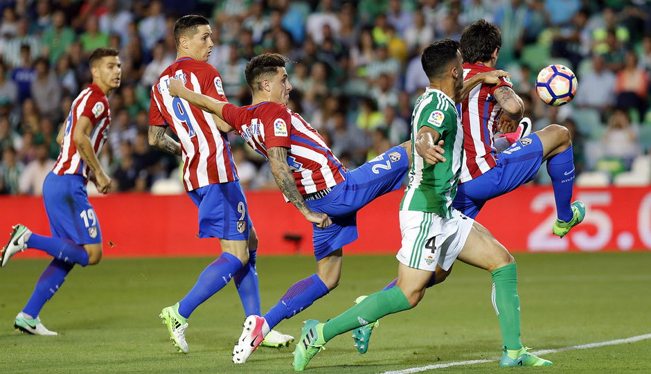Temp. 16/17 | Betis - Atlético de Madrid | Savic y Giménez