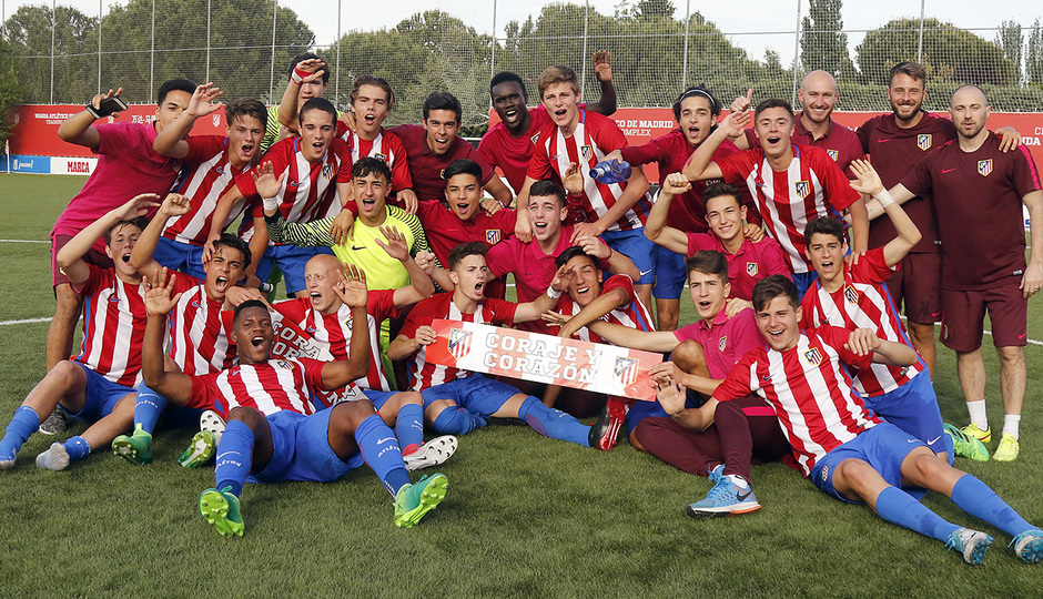 2016-2017 - Cadete A: Celebración liga GALERÍA ACADEMIA 2017