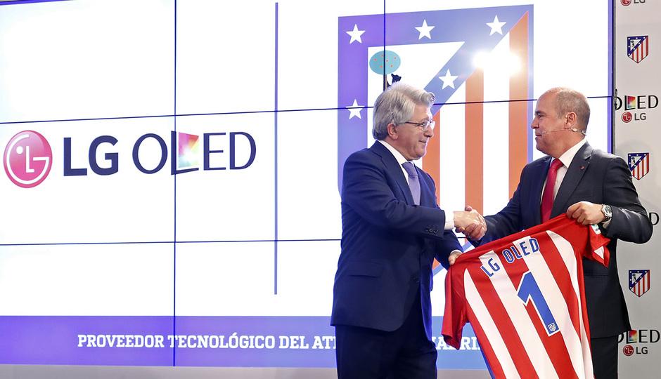 Temporada 16/17. Acto presentación LG OLED. Vicente Calderón. Torres Koke Cerezo