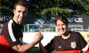 Temporada 2012-2013. Gabi apoyó a las jugadoras del Féminas antes del partido ante el F.C. Barcelona