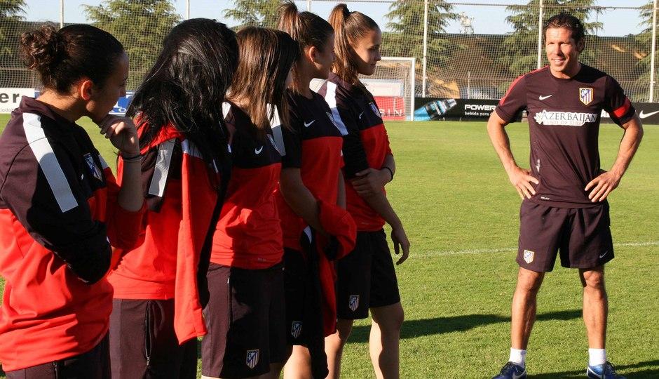 Temporada 2012-2013. Simeone dedicó unas palabras a las jugadoras del Féminas