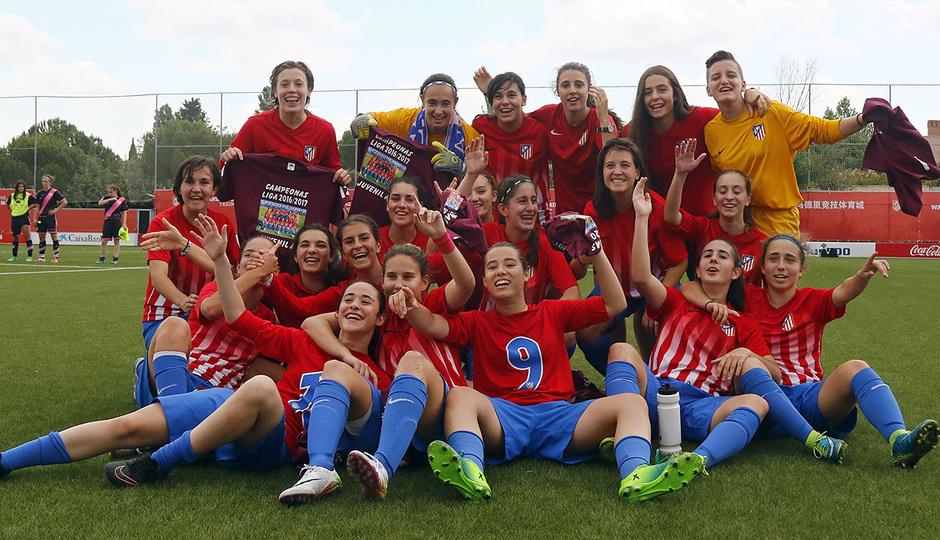 Temp. 16-17. Atlético de Madrid Juvenil A Femenino campeón de liga