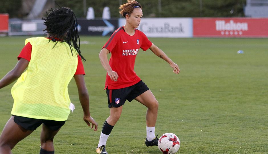 Temporada 17/18 | Femenino | 03/10/2017 | Entrenamiento en la Ciudad Deportiva Wanda | Amanda