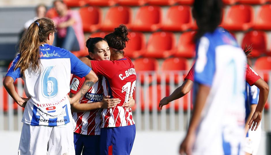 Temporada 17/18. Partido entre el Atlético de Madrid Femenino contra el Sporting de Huelva. Celebración del gol de Kaci.