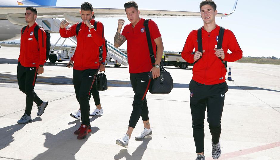 Temp. 17-18. Llegada del equipo a Alicante. Giménez, Lucas, Vietto y Toni Moya