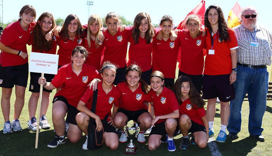 """Temporada 2012-2013. las jugadoras Sub-13 """"A"""" del Féminas campeón de Liga"""