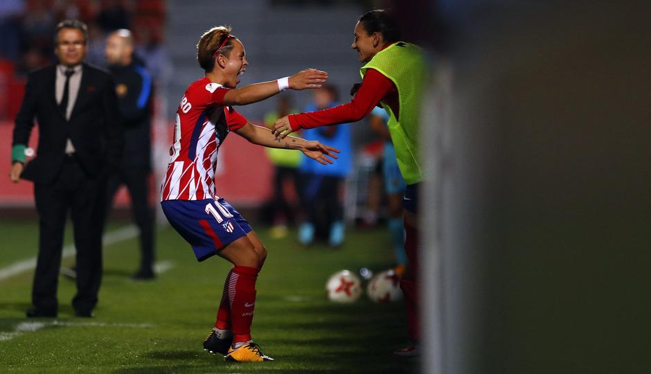 temp. 17-18. Atlético de Madrid Femenino-FC Barcelona. La otra mirada. Amanda y Kaci