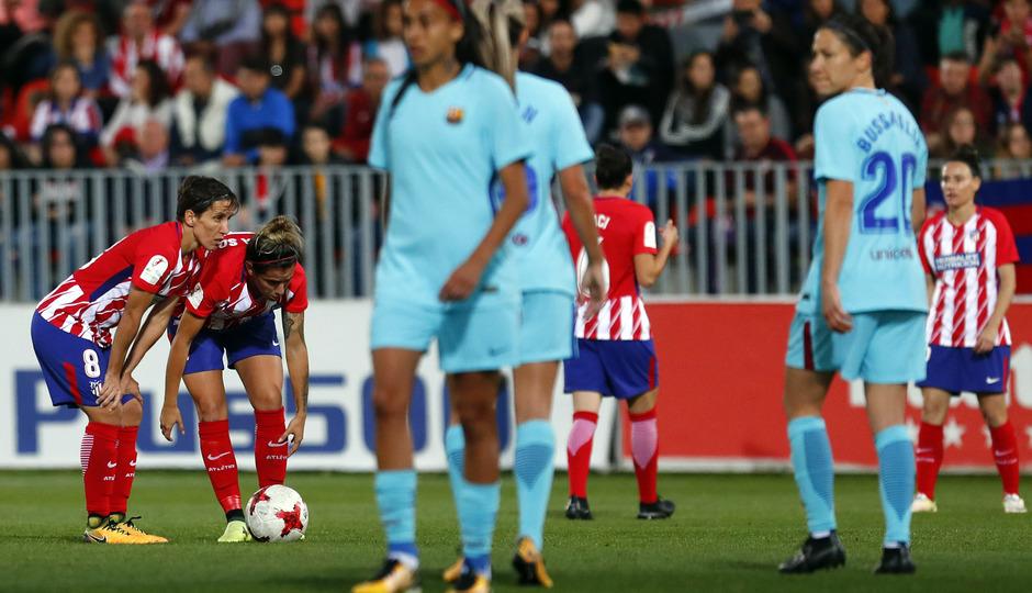 temp. 17-18. Atlético de Madrid Femenino-FC Barcelona. La otra mirada. Ángela Sosa y Sonia