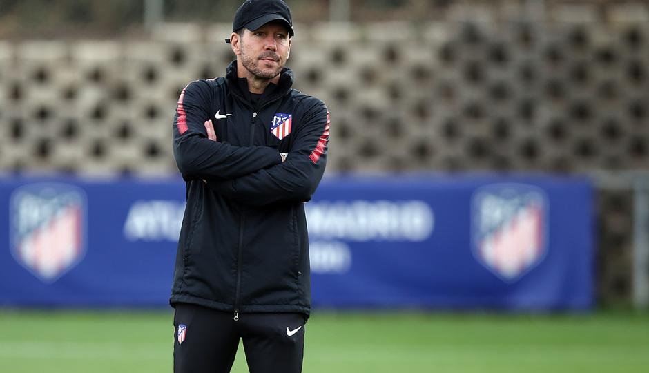temporada 17/18. Entrenamiento en la ciudad deportiva Wanda. Simeone durante el entrenamiento
