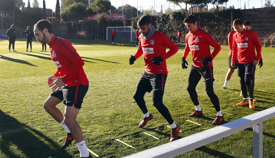 Temporada 17/18. Entrenamiento en la ciudad deportiva Wanda Atlético de Madrid 10_11_2017. Entrenamiento.
