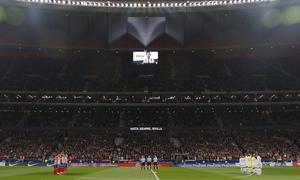 Temp. 17-18 | Atlético de Madrid - Real Madrid | Minuto de silencio Rivilla 2