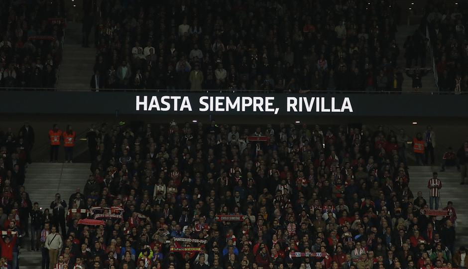 Temp. 17-18 | Atlético de Madrid - Real Madrid | Minuto de silencio Rivilla 3
