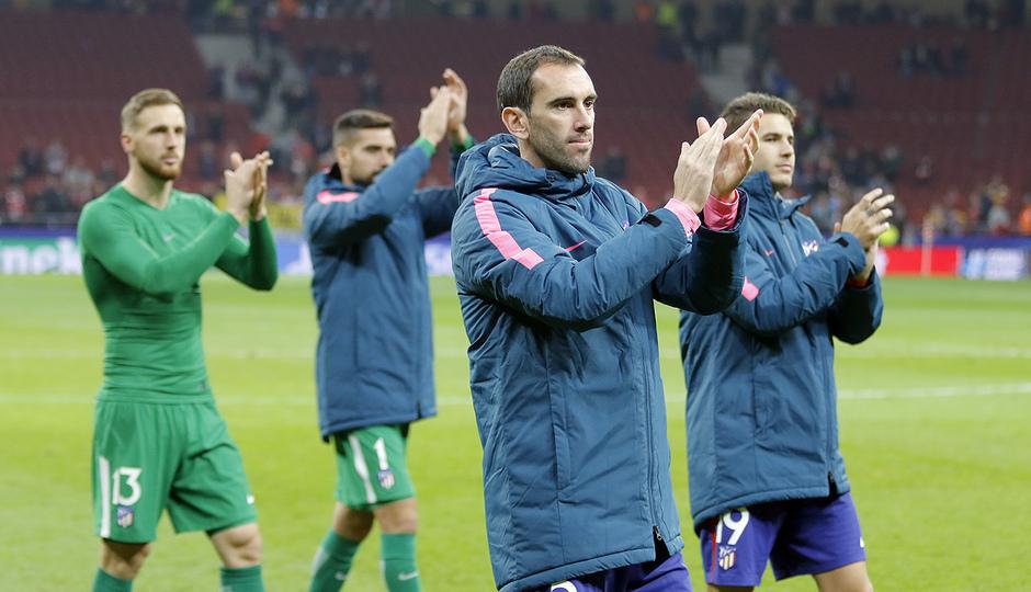 Temp. 17/18 | Atlético de Madrid - Roma | El equipo aplaudió a los aficionados