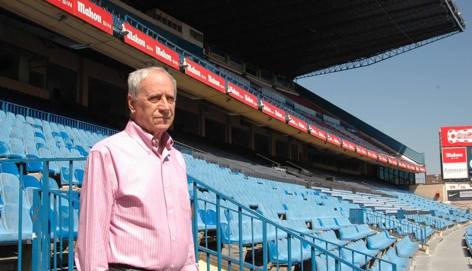 Joaquín Peiró, en la actualidad, en la grada de Preferencia del Estadio Vicente Calderón