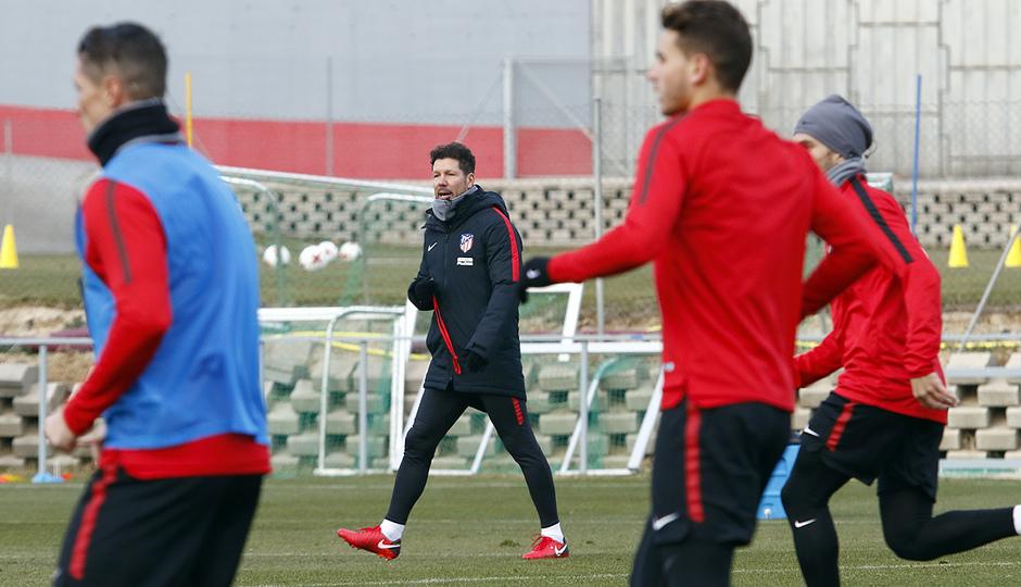 Temporada 17/18. Entrenamiento en la ciudad deportiva Wanda Atlético de Madrid 07_12_2017 Simeone