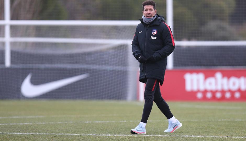 temporada 17/18. Entrenamiento en la ciudad deportiva Wanda. Simeone durante el entrenamiento.