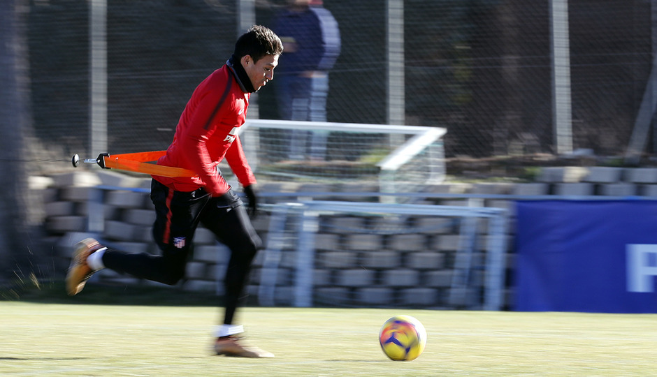 Temporada 17/18. Entrenamiento en la ciudad deportiva Wanda Atlético de Madrid 18_01_2018. Gaitán.