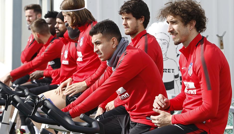 Entrenamiento | 19-02-18 | Vrsaljko y Correa
