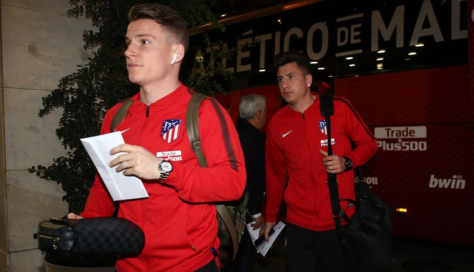 Llegada a Sevilla | Jornada 25 | 24-02-18 | Gameiro y Giménez