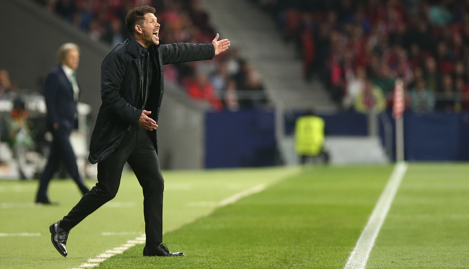 temporada 17/18. Partido Wanda Metropolitano. Atlético Sporting Portugal. Uefa Europa League. Simeone durante el partido