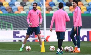 Temp. 17-18   Europa League   Entrenamiento en el José Alvalade   Godín