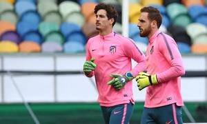 Temp. 17-18   Europa League   Entrenamiento en el José Alvalade   Oblak y Werner