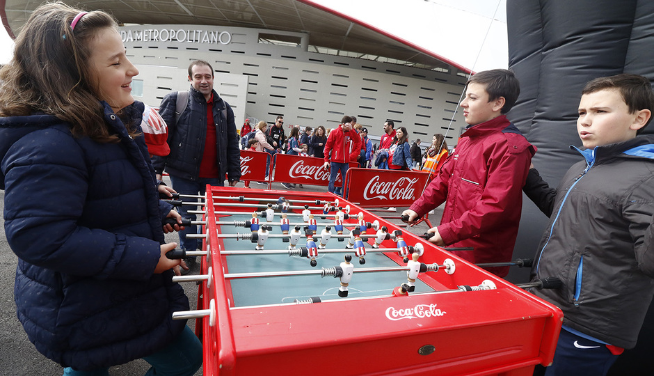 Temp. 17-18 | Atlético de Madrid - Levante | Día del Niño | Coca Cola