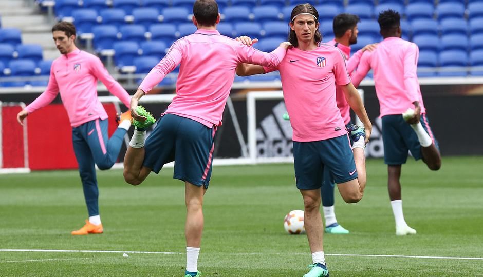 Temporada 17/18. Atlético de Madrid. Final de la Europa League en Lyon. Entrenamiento. Filipe Luis