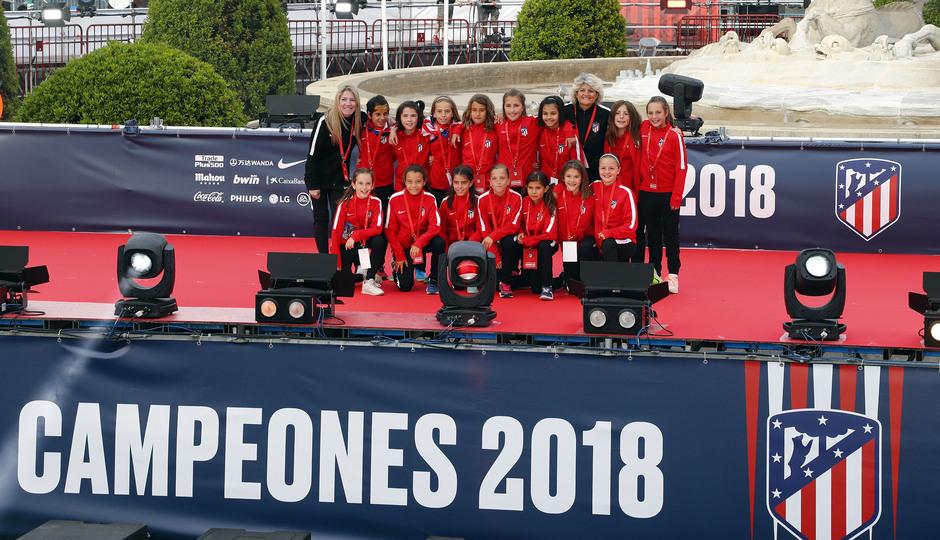 Temp 17/18 | Atlético de Madrid y Atlético de Madrid Femenino | 18-05-18 | Academia | Femenino Alevín B