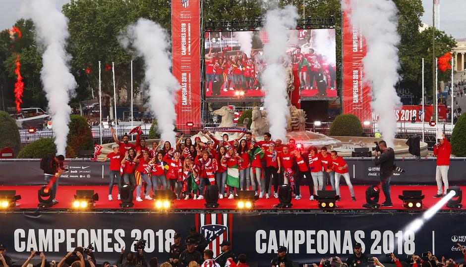 Temp 17/18 | Atlético de Madrid y Atlético de Madrid Femenino | 18-05-18 | Academia | Femenino Neptuno