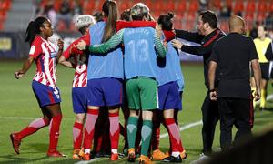 Temporada 17/18   Atlético de Madrid Femenino - Valencia   Ida de la Copa de la Reina   Marta Corredera celebración