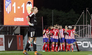Temporada 17/18   Atlético de Madrid Femenino - Valencia   Ida de la Copa de la Reina   Amanda Sampedro celebración
